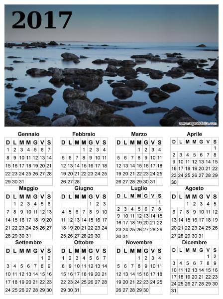 Calendario in riva al mare del 2017