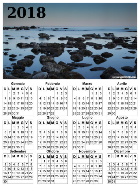 Calendario in riva al mare del 2018