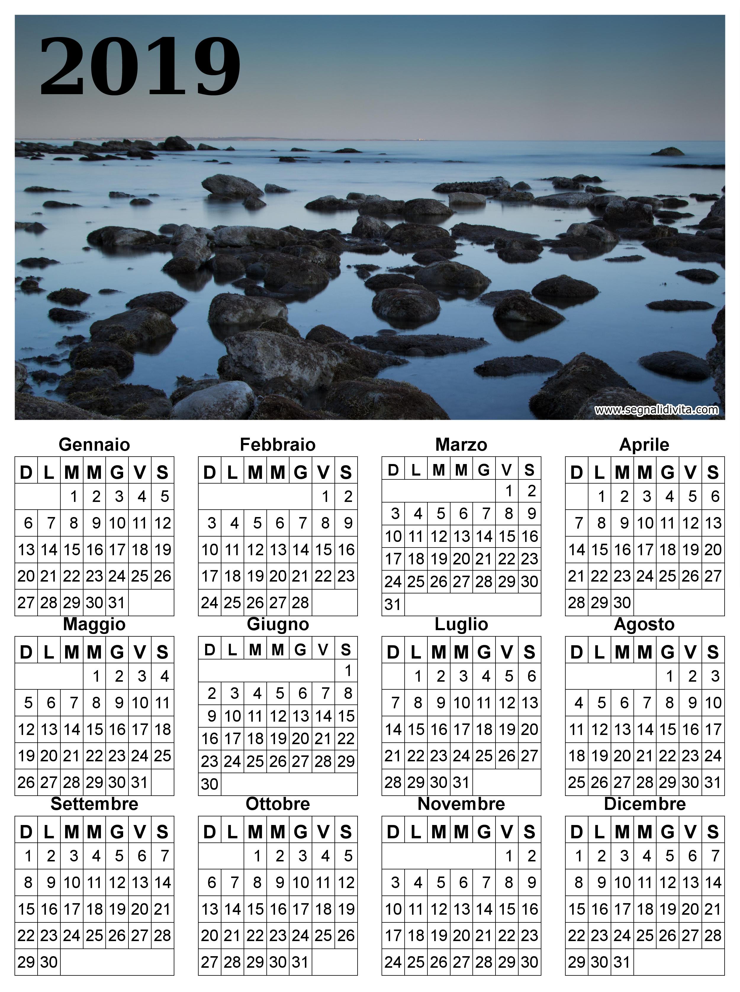 Calendario in riva al mare del 2019